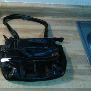 Black handbag purse